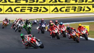 Sbk, Gara 2: a Phillip Island si decide tutto al photo finish