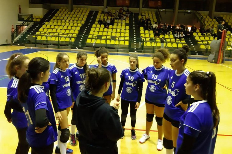 Volley Club Frascati, l'Under 13 Elite di coach Mola è un rullo: «Ma tra poco si riazzera tutto…»