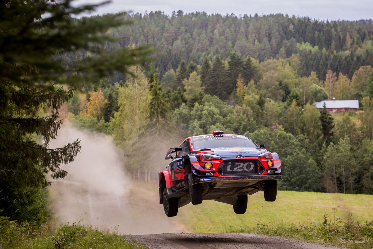 Rally di Finlandia, Hyundai Motorsport mantiene la leadership