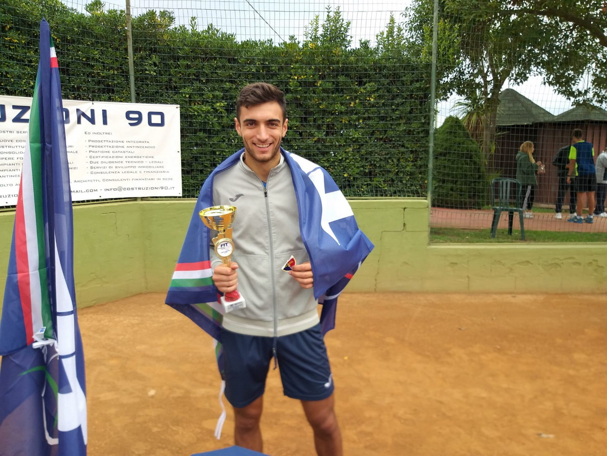 Tennnis, Tc New Country Frascati, strepitoso Bellifemine: è campione regionale Under 18